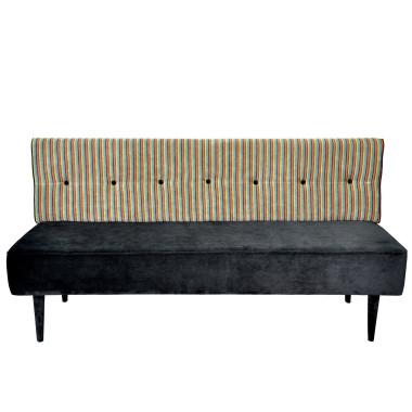 Sofa inspirowana wzornictwem duńskim z lat 50-tych.