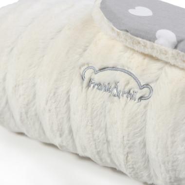 Kocyk z polaru minky, najwyższej jakości 100 % bawełny i puszystego antyalergicznego wypełnienia. Beżowy.