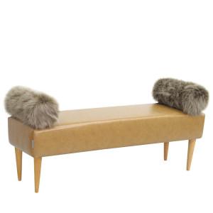 Oryginalna ławka w stylu skandynawskim z wałkami z futra ekologicznego.