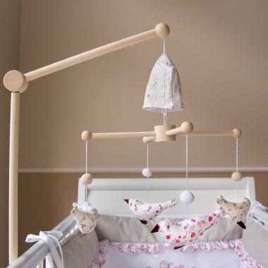 Obrotowa karuzela z pozytywką do łóżeczka.