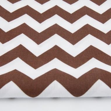 Zasłona bawełniana, składająca się z tkaniny w wybrany wzór oraz podszewki. Wzór chevron, zygzak brązowy.