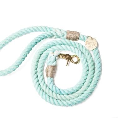Ręcznie wykonana smycz Mint Gold classic jest klasyczną formą smyczy. Produkty z serii Colourful wykonane są z ręcznie farbowanych lin bawełnianych.