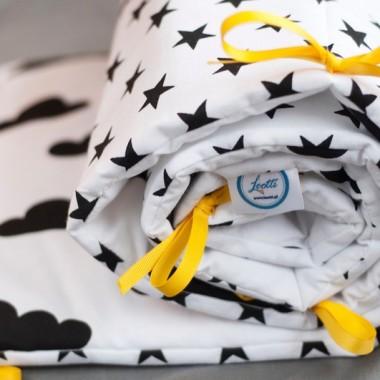 Ochraniacz do łóżeczka black&white w chmurki i gwiazdki.