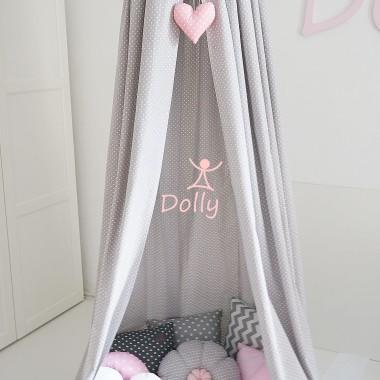 Śliczny baldachim, który zostanie z Wami na dłużej - najpierw jako dekoracja łóżeczka, później jako alternatywa dla tipi.