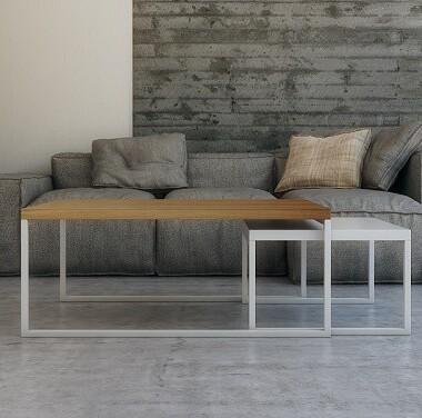 Zestaw dwóch uniwersalnych stolików w stylu skandynawskim. Gdy mniejszy stolik nie jest akurat potrzebny, można schować go pod większy.