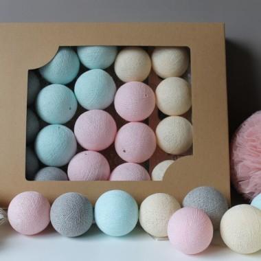 Cotton Balls. Kulki świecące w dlikatnych kolorach.Na drabinę, do pokoju dziecka, na balkon.