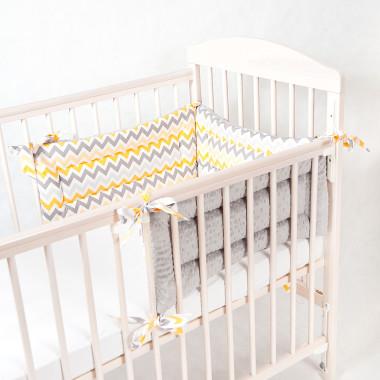 Trzyczęściowy, dwustronny ochraniacz do łóżeczka dziecięcego. Minky+bawełna.Żółto-szary.