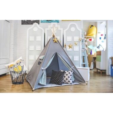 Namiot tipi-do pokoju dziecięcego, z drewnianym stelażem.Szara bawełna w białe, małe gwiazdki..Teepee
