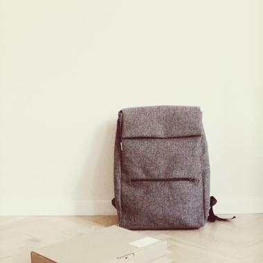 PLECAK KEKS SZARY- porządny, modny plecak w miejskim stylu.
