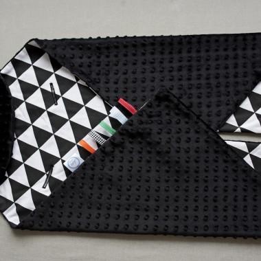Kocyk/otulak do fotelika samochodowego black&white