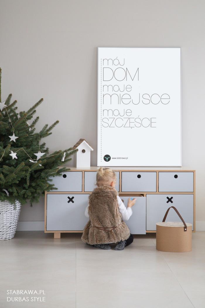 Bała  nowoczesna komoda drewniana do pokoju dziecięcego z kolekcji kółko i krzyżyk