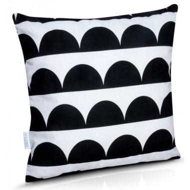 Urocze poduszki dekoracyjne w skandynawskim stylu.