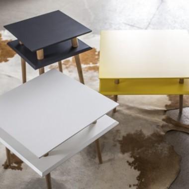 Nowoczesny, kwadratowy stolik kawowy/ ława do salonu lub pokoju dziecka. Żółty..