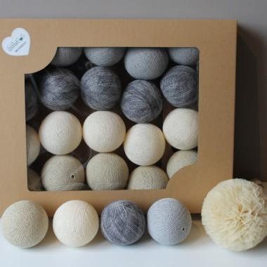 Wariacja w kolorach ziemi i piasku. Lekka, podkreślona mocniejszym akcentem. Kolory: shell, cream, stone oraz mix grey.