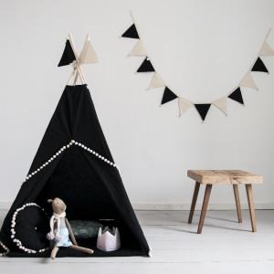 Namiot indiański Tipi czarny z dwustronną podłogą. Idealny do zabawy w domu, tarasie oraz w plenerze.