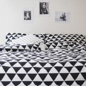 Bawełniana pościel w duże trójkąty biało-czarna