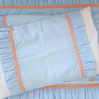 Pościel z falbanką z błękitnej bawełny w białe kropeczki