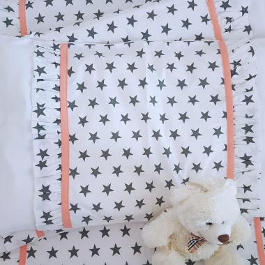 Pościel dziecięca z falbanką z białej bawełny w szare gwiazdki
