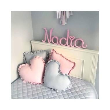 Szara pikowana narzuta do pokoju dziecięcego bawełniana
