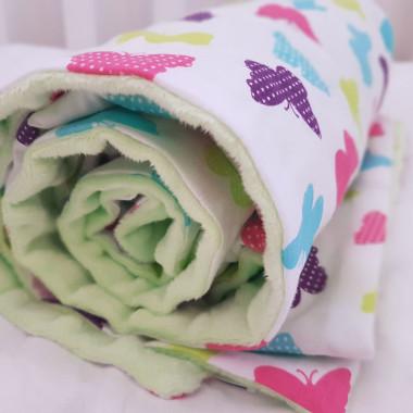 Kocyk dla dzieci zielony - kolorowe motylki