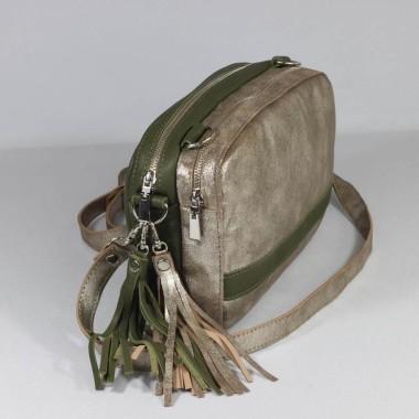 Średnia, modna skórzana torebka. Niebanalna, wyszukana, elegancka.
