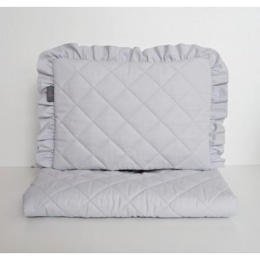 Zestaw do wózka pikowany szary - poduszka z falbanką + kołderka