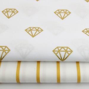Biała zasłona w złote diamenty z 100% bawełny, idealna do sypialni. Modny wzór.