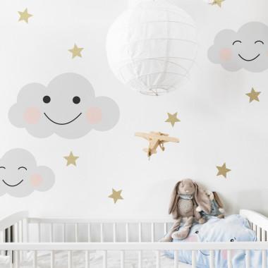 Lekka dekoracja w dobrym stylu. Pasuje do pokoju dziecka ale też do sypialni nastolatki.