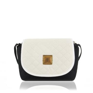 Mała, modna i elegancka torebka.