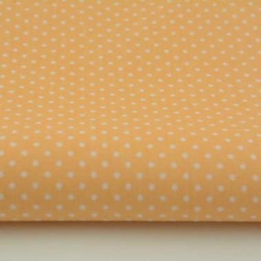 Bawełniane zasłony w ciepłym brzoskwiniowym kolorze. Dodadzą koloru skandynawskiej stylizacji pokoju dziennego. Pasują do sypialni nastolatki.