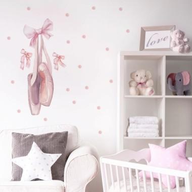 Elegancka dekoracja ściany. Do pokoju romantycznej kobiety ale także dziewczynki i nastolatki.