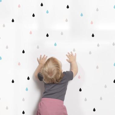 Bardzo modne niewielkie naklejki. Zestawienie kolorów pasuje do nowoczesnej sypialni jak i pokoju dziecka.