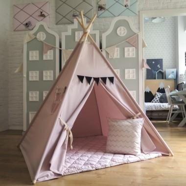 Prześliczny namiocik dla dzieci w kolorze różowym. Można ustawić go zarówno w pokoju dzieci a także na tarasie lub balkonie.