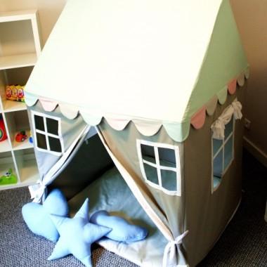 Lekki domek-namiot. Wspaniała i bezpieczna zabawa w domu, na tarasie, w ogródku, w plenerze.