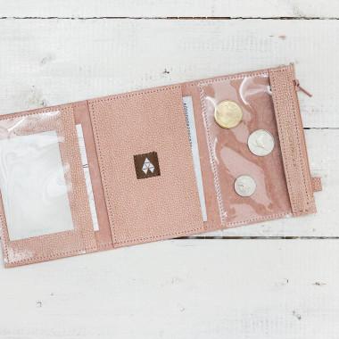 MINI to minimalistyczny portfel/etui/na dokumenty od samochodu.