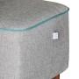 Pufa Mr M - wygodna tapicerowana pufa z drewnianymi nogami