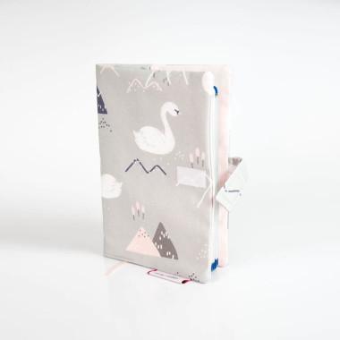 okladka-etui-na-ksiazeczke-zdrowia-labedzie1-380x380