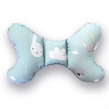 dwustronna, delikatna, miękka poduszka do wózka motylek z misiem i królikami z szarym minky w gwiazdki