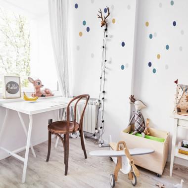 Naklejki na ścianę --kropki do pokoju dziecka