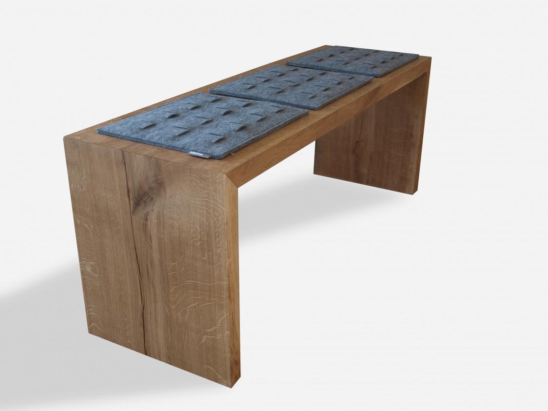 Minimalistyczna ławka z litego frewna dębowego