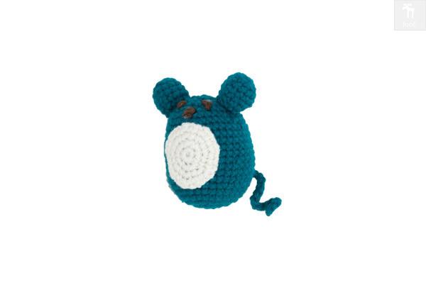 Mysza- cudna zabawka szydełkowa w oryginalnym kolorze.