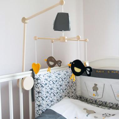 Wesoła Kompania - karuzela do łóżeczka z obrotową pozytywką
