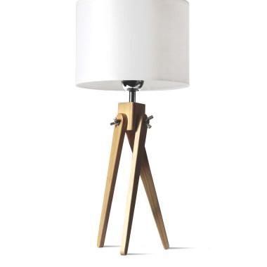 Lampa nocna sztalugowa z elementów drewnianych w kolorze naturalnego drewna sosny. Abażur z białego, gładkiego materiału.