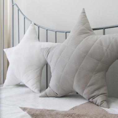 Gwiazda - pikowana poduszka ozdobna beż