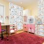 Kolorowy pokój z dodatkami dla dzieci.