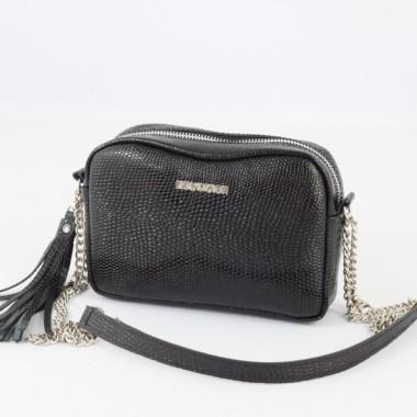Mała, czarna, modna i elegancka skórzana torebka – skóra licowa - srebrny łańcuszek.