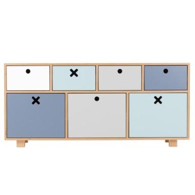 Pastelowa, niska, pojemna komoda do pokoju dziecka, sypialni, salonu lub gabinetu.