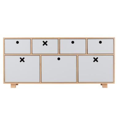 Szara, niska, pojemna komoda do pokoju dziecka, sypialni, salonu lub gabinetu.
