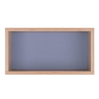 Półka obrazek z granatowym tłem.