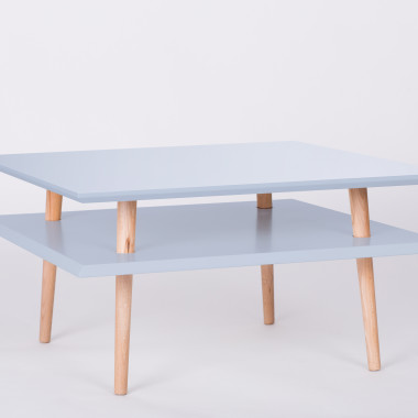 Nowoczesny, kwadratowy stolik kawowy/ ława do salonu lub pokoju dziecka. jasnoszary